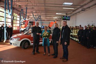 Fahrzeugübergabe Fr. Rinio und Bürgermeister Hr. Ingo Sander